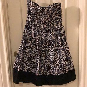 Strapless black & white dress 🌚